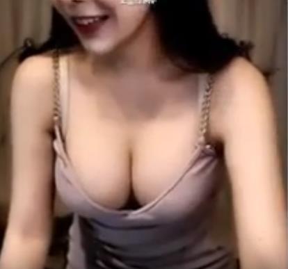 거유 미시 야설) 상담왕 재희씨 1편